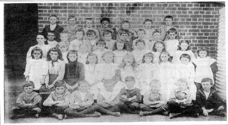 North Perth Primary School Grade 7 1901