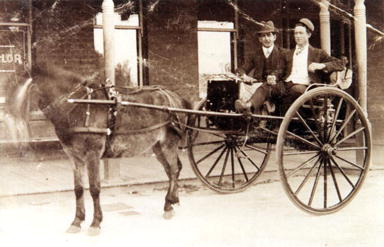 Horse and buggy outside the Rosemount Hotel, North Perth